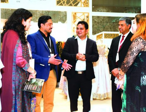 Indian envoy visits IMB Qatar pavilion